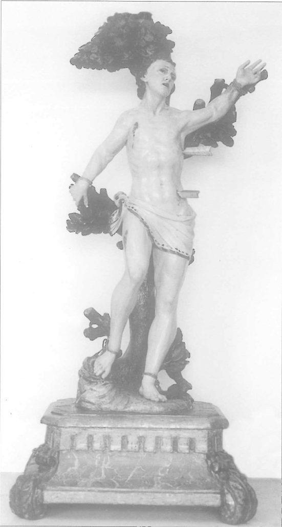 Imatge de Sant Sebastià. Al repeu figurava com data :1676. Es conserva a Ca la Vila dita població. (f.; Diputació Provincial).